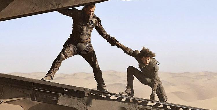 Timothee+Chalamet+and+Josh+Brolin+on+the+set+of+Dune.